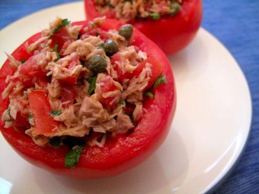 Paradajz punjen tunjevinom - Recepti & Kuvar
