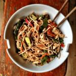 Piletina sa povrćem i integralnim nudlama – Recepti i Kuvar online