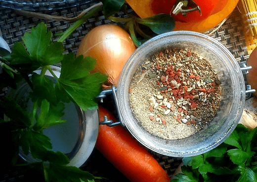 Domaća mešavina začina – Kristina Gašpar | Recepti & Kuvar Online - Šta da kuvam danas?