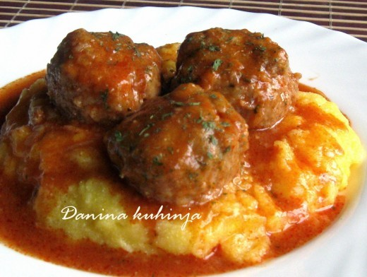 Ćufte u paradajz sosu - Dana Drobnjak - Recepti i Kuvar online
