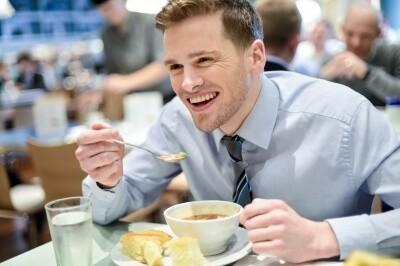 Jesti između obroka - zašto to ne bi trebalo raditi - Jadranka Blažić - Recepti i kuvar online