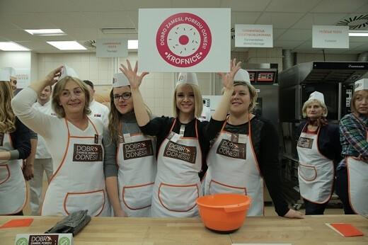 Obeležen svetski dan hleba - takmičene u izradi bageta - tim Krofnice - Recepti i Kuvar online