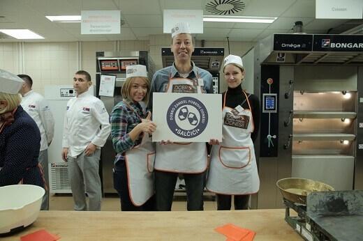Obeležen svetski dan hleba - takmičene u izradi bageta - tim Salčići - Recepti i Kuvar online