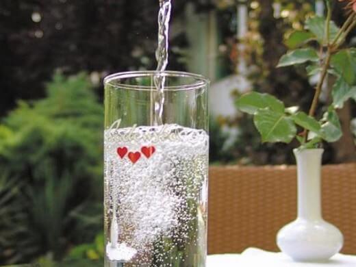 Gazirana mineralna voda za zabavu u kuhinji - Recepti i Kuvar online