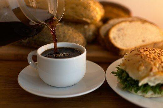 BKTVnews - Evo zašto je važno pijete li kafu pre ili posle jela - PixabayBKTVnews - Evo zašto je važno pijete li kafu pre ili posle jela - Pixabay