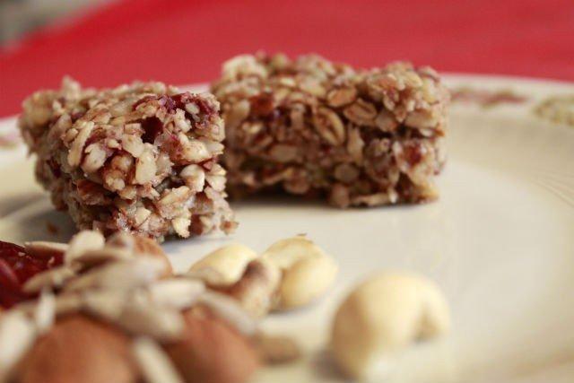 Domaće proteinske pločice sa semenkama - Recepti i Kuvar online