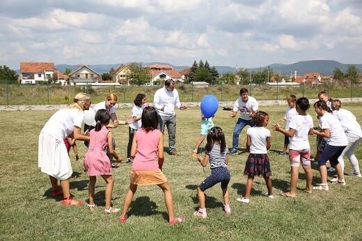 Štićenici SOS dečjeg sela dobili vredne poklone