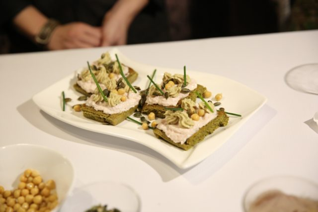Galete sa namazom od slanine i humusom - Humus pronašao svoje mesto na domaćoj trpezi - Recepti i Kuvar online