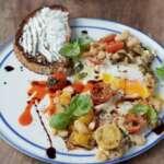 jaja s raspuknutim ceri paradajzom superhrana za svaki dan Dzejmi Oliver