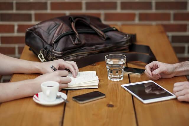 Restoran u kom je zabranjeno korišćenje mobilnih telefona - Pixabay