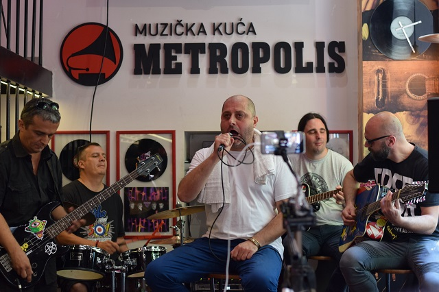 Metropolis Music - promocija Love Hunters