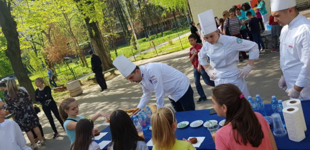 Humanitarna akcija mladih kuvara iz Junior Chef Club-a