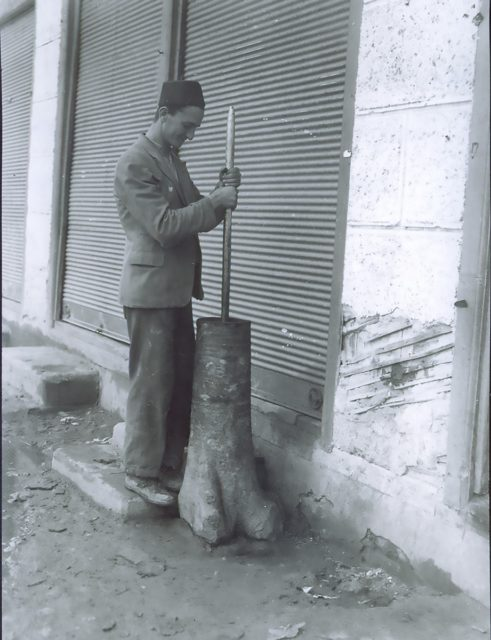 Tucanje kafe u drvenoj stupi, 1939. godina - Narodni muzej Zrenjanin