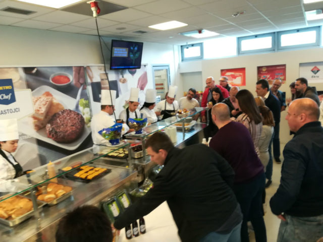 Predstavljen revolucionarni burger na biljnoj bazi - Beyond Burger - METRO Cash & Carry Srbija