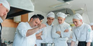 Gastronomski casovi italijanskog kuvara u Srednjoj turistickoj skoli, Eros Piko, kuvar - foto agencija ProPR