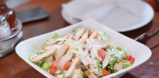 RUČAK NA BRZINU: sendvič sa piletinom - Image by ExplorerBob from Pixabay