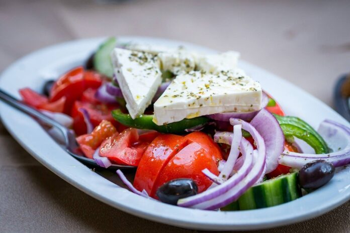 Grčka salata recept - foto ilustracija Image by TheAndrasBarta from Pixabay
